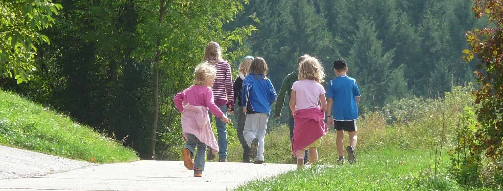 Natur Spaziergang Familie