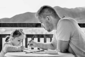 Zeit verbringen mit Spiel und Lernen